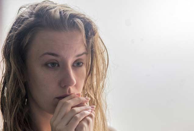 mujer sufriendo depresion